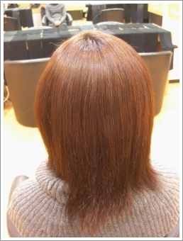 弱酸性縮毛矯正のビフォーアフター02(後02)[ミディアム]