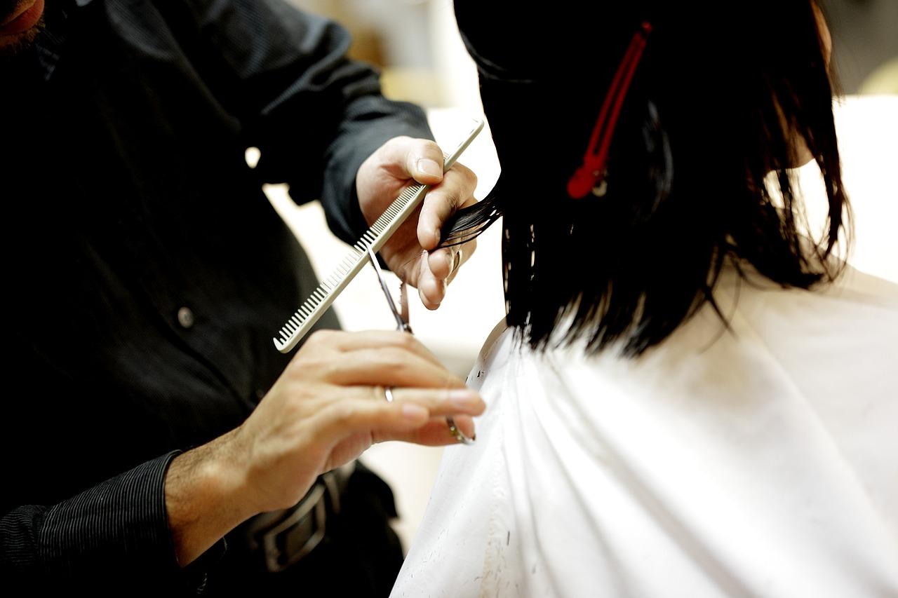 男性美容師のイメージ画像