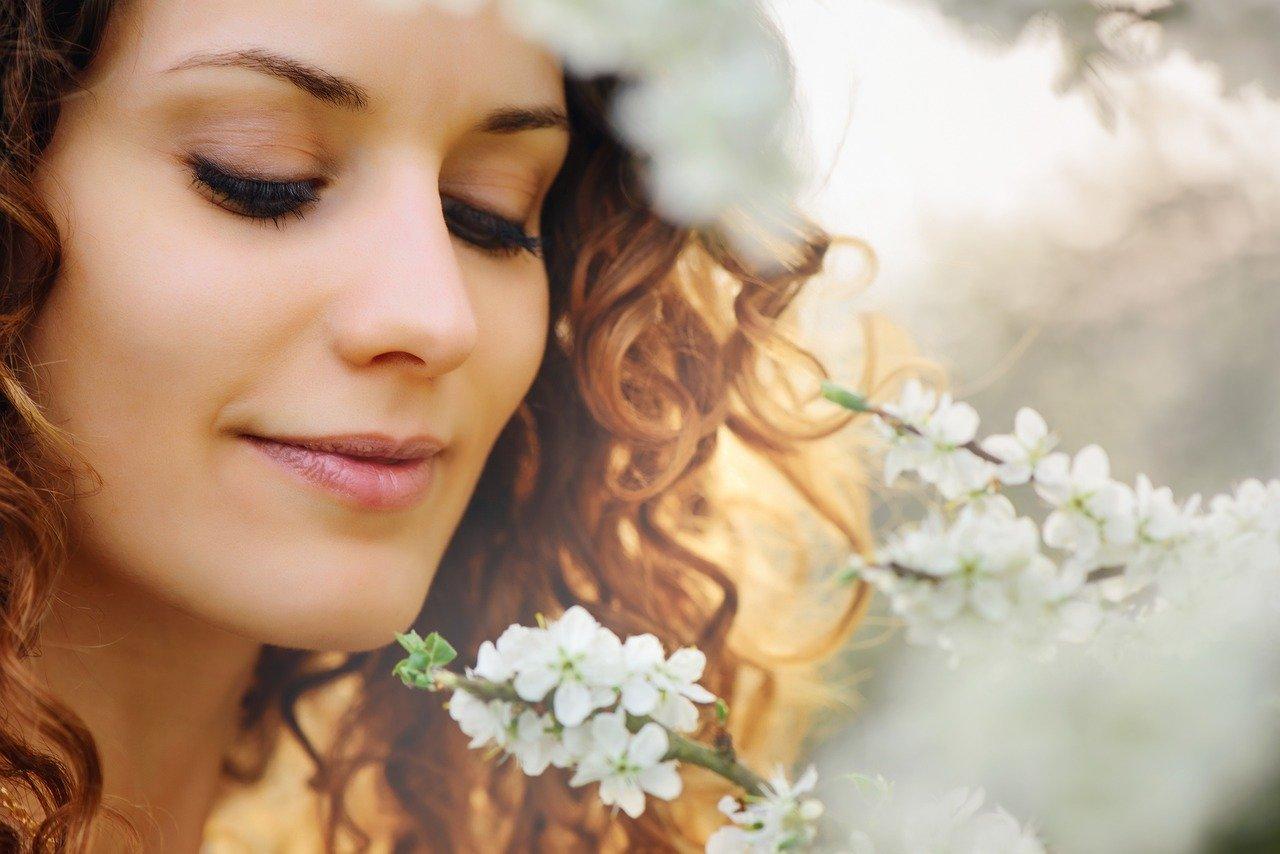 女性のパーマヘアのイメージ画像