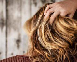女性の髪のイメージ画像